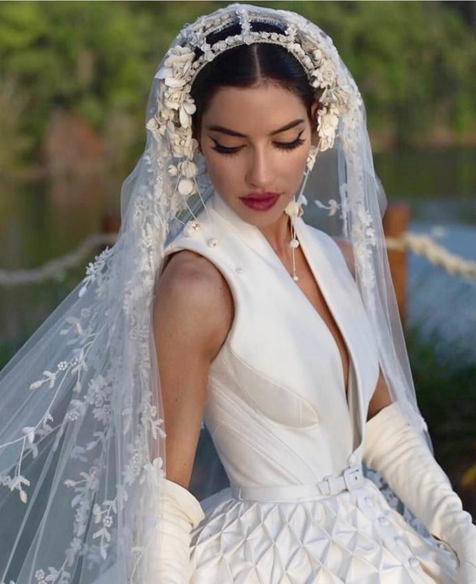 """**Lisa Orgliasso**<br><br>  A close-up of Origiliasso's J'Aton Couture wedding dress.<br><br>  *Image via [@lisa_origliasso](https://www.instagram.com/lisa_veronica/ target=""""_blank"""" rel=""""nofollow"""")*"""