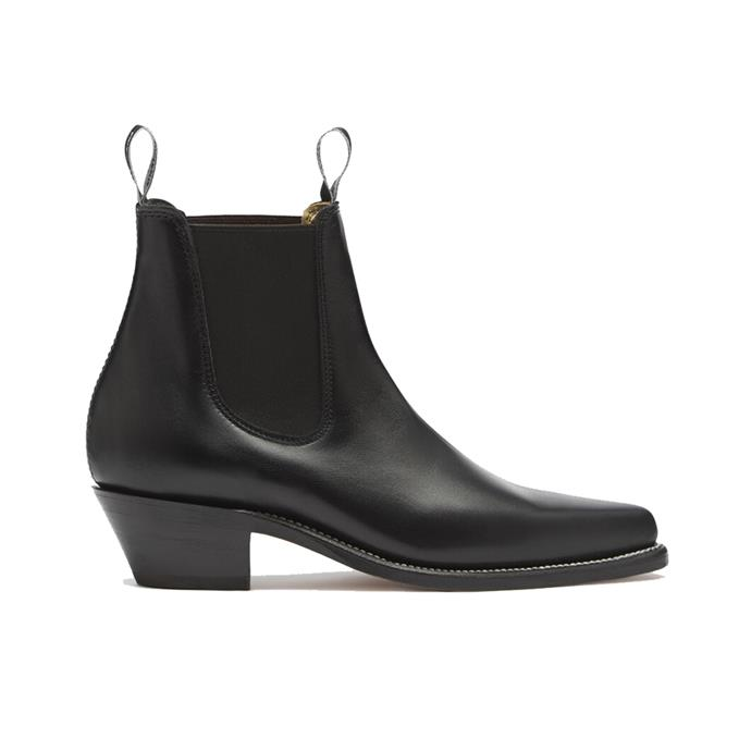 "**The Australian icon** <br><br> Though generations of Australians have owned a trusty pair of RM Williams boots, the 'Millicent' variation's pointed toe and Cuban heel make them a must-have for any 2020 It-girl. <br><br> *'Millicent' boots by RM Williams, $595 at [RM Williams](https://fave.co/2UsUZn9|target=""_blank""