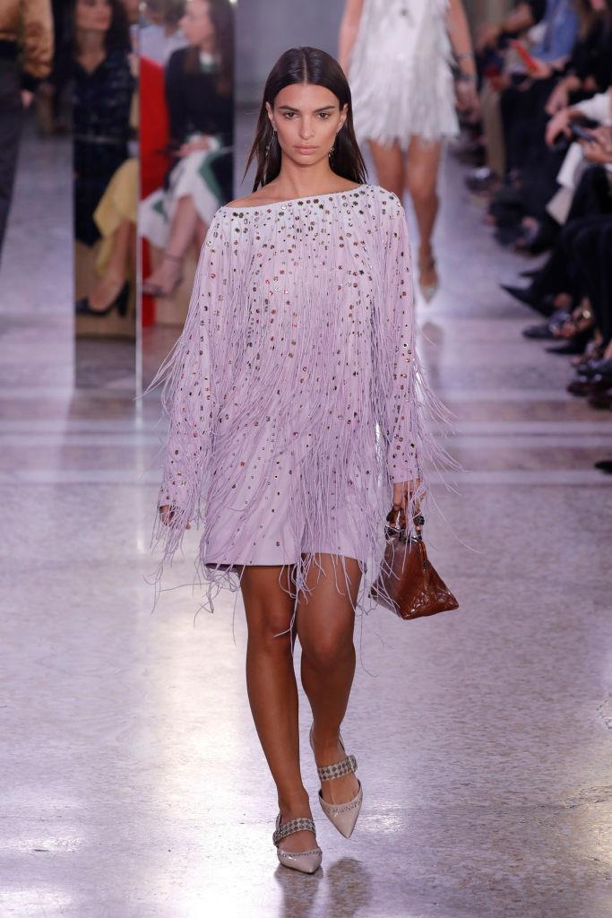 """**Emily Ratajkowski** <br><br> Ratajkowski may still be working as a model (pictured here on the runway for Bottega Veneta in 2017), but before she appeared in films like *Entourage* and David Finch's acclaimed thriller *Gone Girl*, she was a budding model to watch. She also appeared in Robin Thicke's [controversial](https://www.theguardian.com/music/2013/nov/13/blurred-lines-most-controversial-song-decade target=""""_blank"""" rel=""""nofollow"""") """"Blurred Lines"""" music video—something she's alluded to [regretting](https://www.harpersbazaar.com/celebrity/latest/a12100/emily-ratajkowski-regrets-blurred-lines-video/ target=""""_blank"""" rel=""""nofollow"""") doing many times."""