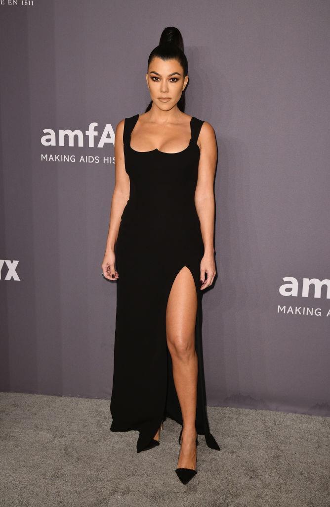 "**Kourtney Kardashian (*[@kourtneykardashian](https://www.tiktok.com/@kourtneykardashian|target=""_blank""|rel=""nofollow"")*)** <br><br> As the eldest of her siblings, Kourtney Kardashian is by no means the least tech-savvy. The reality star and [Poosh](https://poosh.com/|target=""_blank""|rel=""nofollow"") founder shares various videos of her laid-back life as a mother to Mason, Penelope and Reign Disick with her 665,000 followers."