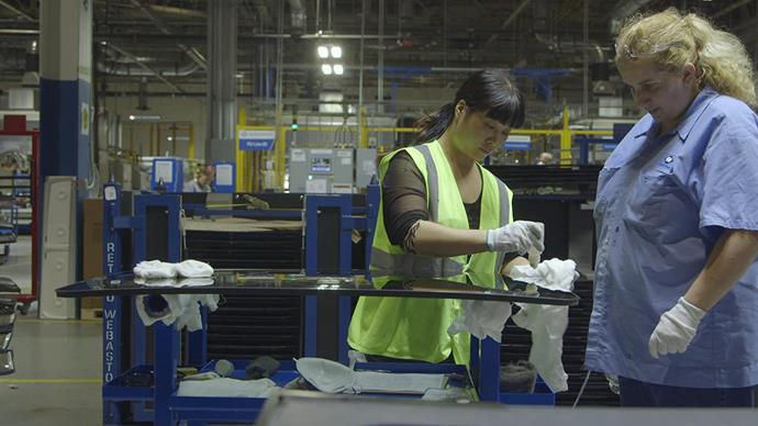 """***[American Factory](https://www.netflix.com/au/title/81090071 target=""""_blank"""" rel=""""nofollow"""")* (2019)** <br><br> Examining culture clashes in the post-industrial age, *American Factory* sees a Chinese billionaire magnate open a factory in rural Ohio, and the various difficulties that come with undertaking such an endeavour. The film ended up winning 'Best Documentary Feauture' at the [2020 Academy Awards](https://www.harpersbazaar.com.au/fashion/oscars-2020-best-dressed-19912 target=""""_blank"""" rel=""""nofollow"""")."""