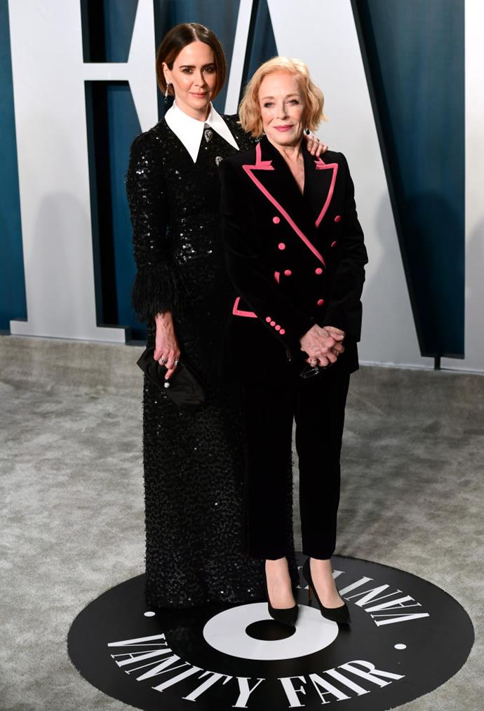 "**Sarah Paulson, 45, and Holland Taylor, 77**<br><br>  **Age difference:** 32 years<br><br>  [*Hollywood*](https://www.harpersbazaar.com.au/culture/hollywood-netflix-20162|target=""_blank"") star Holland Taylor and *American Horror Story* actress Sarah Paulson have been dating since early 2015. Paulson confirmed their relationship in an interview with *[The New York Times](https://www.nytimes.com/2016/03/03/fashion/sarah-paulson-opens-up-about-dating-older-women-holland-taylor.html?_r=0