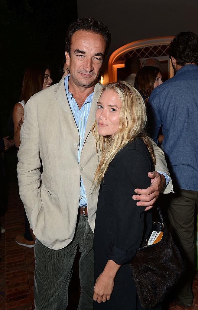 "**Mary-Kate Olsen, 33, and Olivier Sarkozy, 50**<br><br>  **Age difference:** 17 years<br><br>  The Row designer and French banker got engaged in 2014 after reportedly dating for two years. In 2015, the married in an [under-the-radar wedding](https://www.harpersbazaar.com.au/bazaar-bride/best-kept-secret-celebrity-weddings-13251|target=""_blank""). On May 14, 2020, it was reported that [Olsen had filed for an emergency divorce](https://www.harpersbazaar.com.au/celebrity/mary-kate-olsen-olivier-sarkozy-divorce-20302