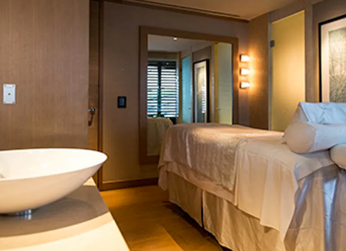 "***The Spa at Park Hyatt*** <br> Located at one of Sydney's most luxurious hotels, you're guaranteed to be treated to a lavish experience at The Spa at Park Hyatt.  <br><br> Our pick? The 90-minute Caviar Facial, which starts at $355 and features both caviar topicals and a firming AcuLift massage. It's every bit as luxe as it sounds.  <br><br> *Treatments start at $90 for 30 minutes, book at [The Spa](https://www.hyatt.com/en-US/spas/The-Spa-Sydney/home|target=""_blank""