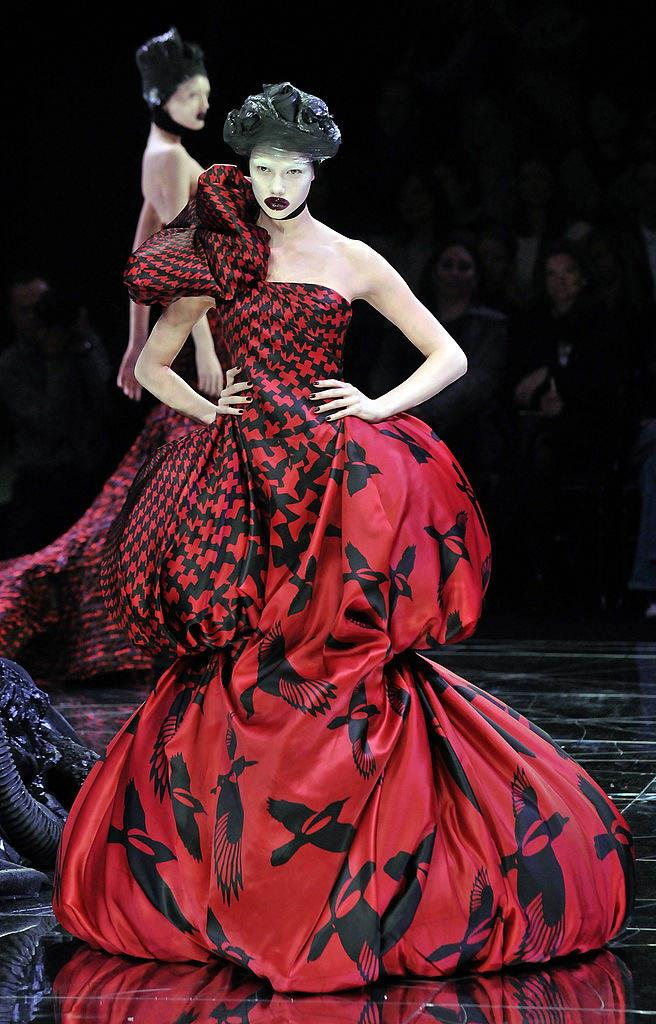 """**Karlie Kloss at Alexander McQueen autumn/winter '09** <br><br> In a 2020 [YouTube video](https://www.youtube.com/watch?v=wKXg_WzC47s target=""""_blank"""" rel=""""nofollow""""), Karlie Kloss recounted how nearly tripping on her dress at Alexander McQueen's iconic 'Horn of Plenty' show in 2009 became one of the most iconic moments of her career. <br><br> When she felt her heels catching on the inside of the dress, Kloss explained that she stopped mid-runway, picked up the bottom of the dress, and tossed it down so as to free her foot. She was embarrassed at the time, but months later found out that McQueen had chosen to use the moment in a global ad campaign. Kloss explained: """"No matter what life throws at you, you just have to pull that dress out of your heel, throw it on the ground, throw your shoulders back and keep on walking!"""""""