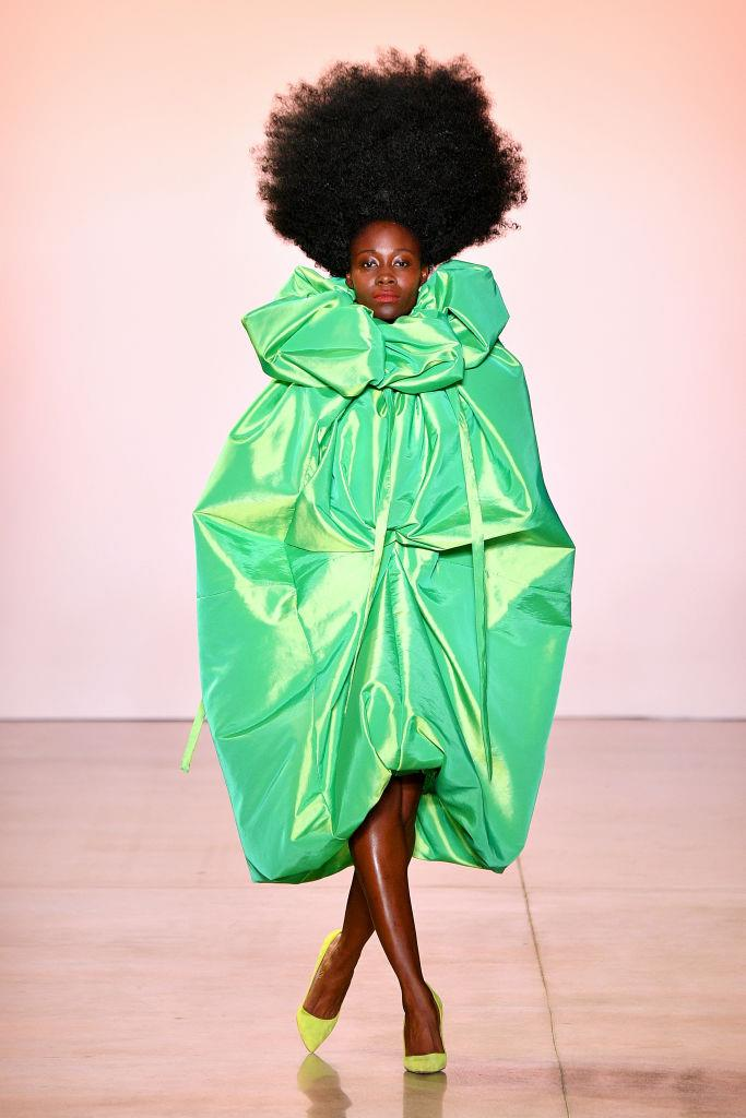 "**Christopher John Rogers** <br><br> From the colour palettes to the vibrant beauty looks, eccentricity reigns supreme at Christopher John Rogers' fashion shows, with the designer championing the long-overlooked beauty trends of BIPOC models. Rogers told *[GQ](https://www.refinery29.com/en-us/2020/02/9380476/christopher-john-rogers-fall-winter-2020-collection-interview|target=""_blank""