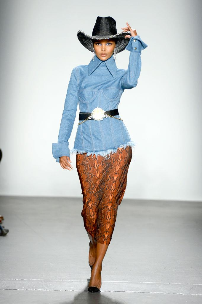 "**LaQuan Smith** <br><br> Despite being known for his sexy runway collections, New York designer LaQuan Smith includes many diverse models on his runways, and even makes sure clients of different religions aren't exempt from wearing his covetable garments. Pictured is American supermodel [Halima Aden](https://www.harpersbazaar.com.au/fashion/2017-breakout-model-halima-aden-7874|target=""_blank""