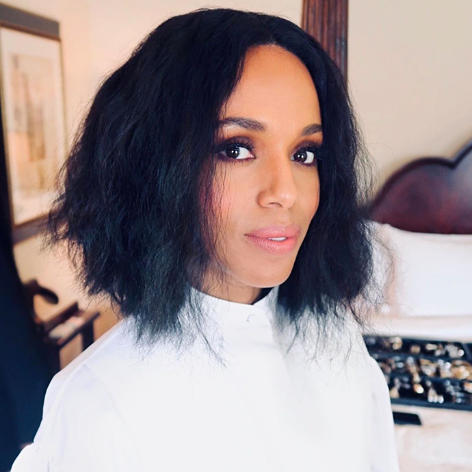 Washington's brushed-out tousled texture works perfectly teamed with her daytime-friendly smokey eye and blotted blush-toned lipstick. <br></br> *Via: Instagram/@carolagmakeup*