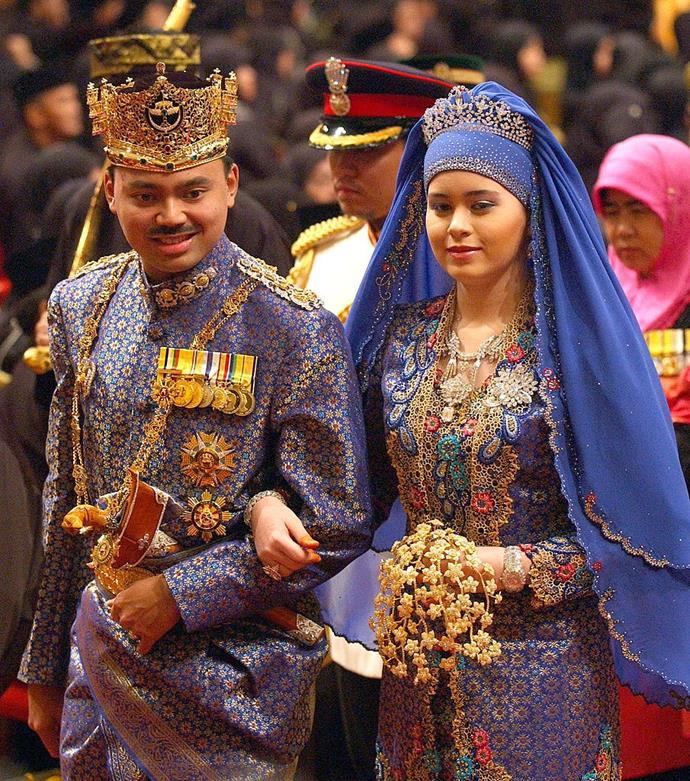 "**9. Crown Prince Al-Muhtadee Billah Bolkiah of Brunei and Sarah Salleh 2004 Wedding**<br><br>  **Estimated cost:** Approx. AUD $5 million ([£2.8million](https://www.dailymail.co.uk/femail/article-3036852/Flowers-half-million-bridal-gowns-worth-600k-11-day-celebrations-Prince-Brunei-marries-opulence-look-extravagant-weddings-ever.html|target=""_blank""