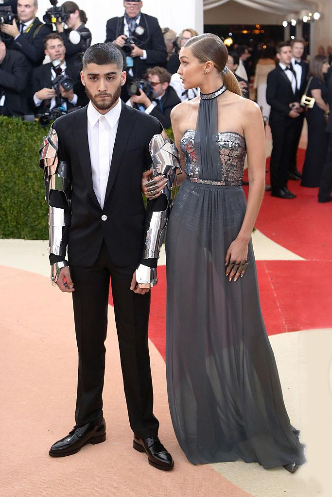 **Gigi Hadid and Zayn Malik**<br><br>  Although their difference in height is barely perceptible when Gigi Hadid isn't wearing heels (the supermodel is taller by a mere 2.5 cm), when she does, she stands a good few inches taller than boyfriend Zayn Malik.