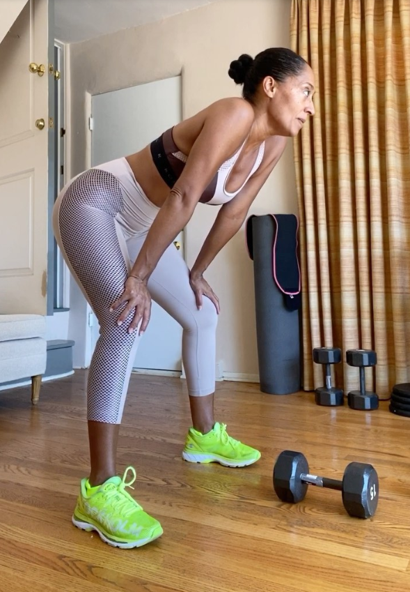 """**EXERCISE: Resistance Training A Few Times A Week**<br><br>  While Ross' work schedule may be packed, she makes it a point to work out three to four times a week, focusing on circuit-style resistance training, particularly for her glutes.<br><br>  """"I switch it up with other workouts, sometimes squats and lunges and deadlifts. I love a deadlift. I have 20-pound weights [approx. 9kg] in my meditation room, so sometimes I'll just do some,"""" she said in 2017.<br><br>  The actress also posted an at-home workout she did amid the coronavirus lockdowns to her Instagram in July 2020, where she followed a live workout by trainer Quinn Fischman from Heart and Hustle Gym.<br><br>  In the video, Ross performed a number of moves with dumbbells and resistance bands, including shoulder press, banded lateral walks, Romanian deadlifts, weighted hip thrusters and incline push-ups.<br><br>  *Take a peek at Ross' workout in the video below.*"""