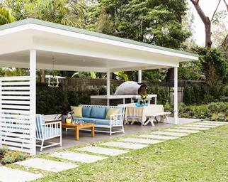 Outdoor casual dining