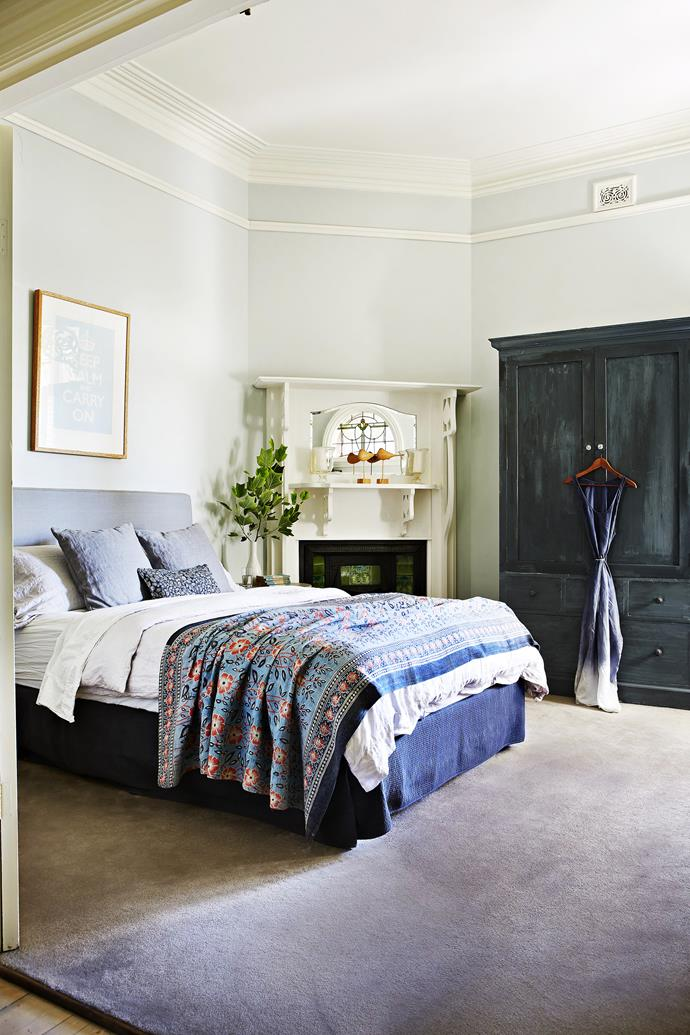"To create a serene environment for her teenage daughter, decorator Melinda Morley used a palette of neutrals and soft blues. A coat of [Porter's Paints](http://www.porterspaints.com/|target=""_blank"") Milk Paint in Shaker Blue transformed the wardrobe. When it came to the furnishings, Melinda, co-owner of [The Banyan Tree](http://www.thebanyantree.com.au/