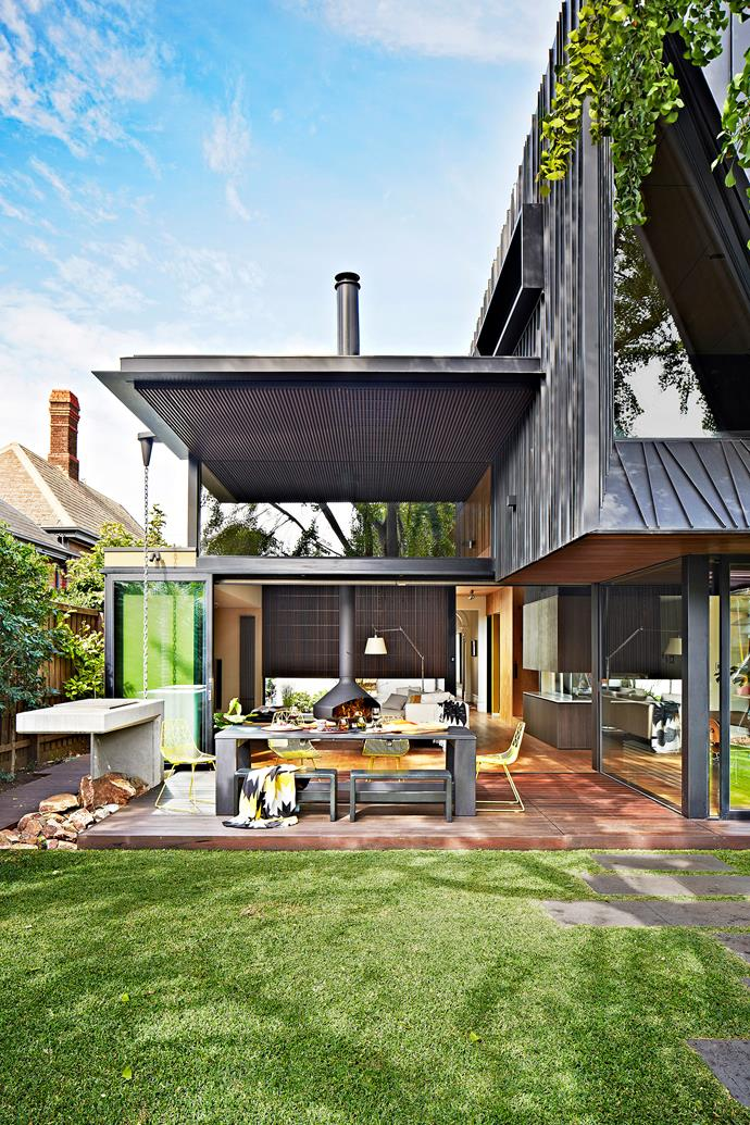 "Linearity and luxury are the dominant attributes of this home. Look closer, however, and you'll find a mix of styles from different eras, artfully merged into contemporary coherence.   **Table** and **bench seats**, [House of Orange](http://houseoforange.com.au/|target=""_blank""). **Chairs**, [Space to Create](http://spacetocreate.co/