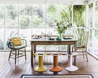 Country casual dining room