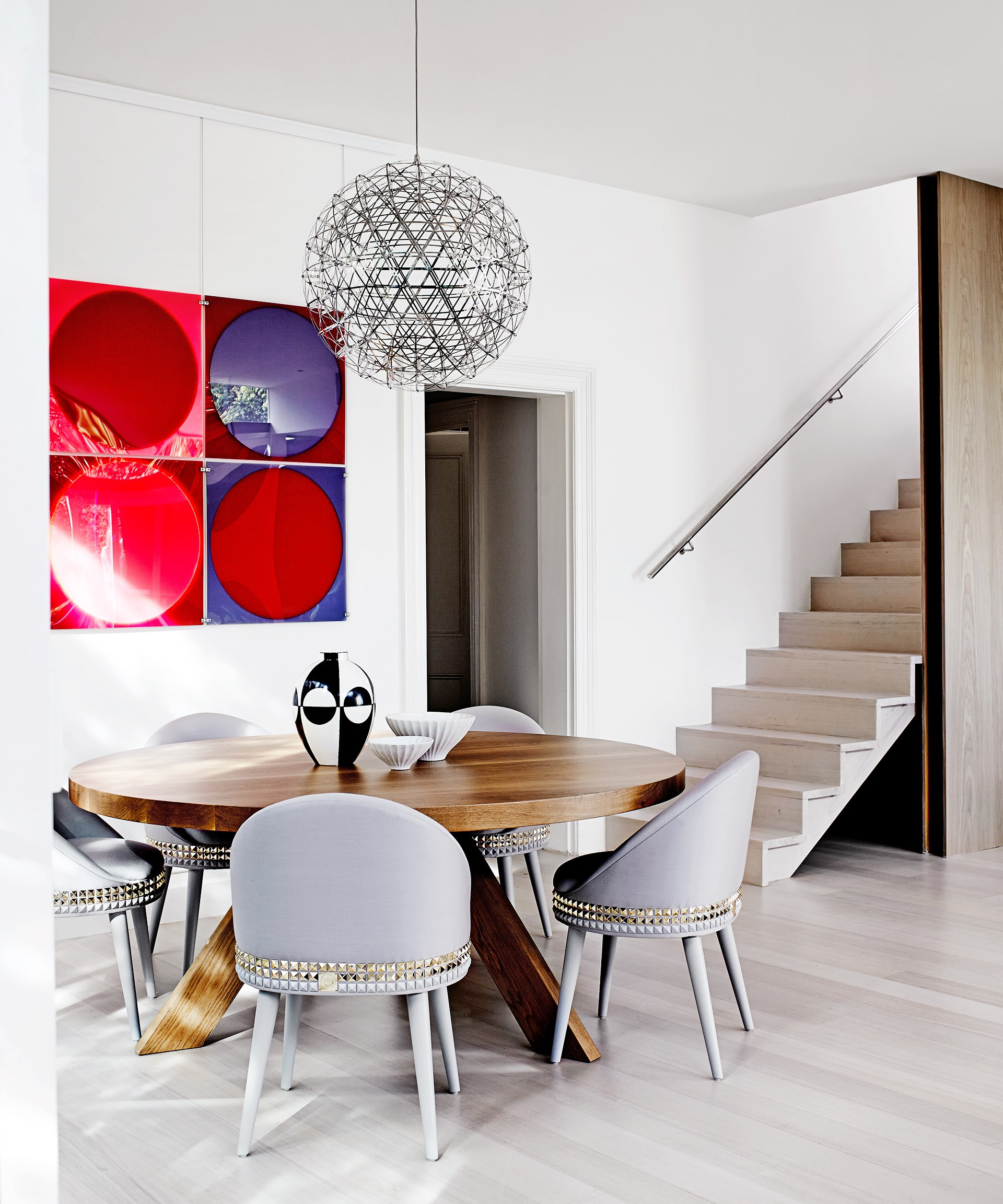 **Fine dining -** These super sexy dining chairs add a touch of glam to this [luxe Melbourne home](http://www.homestolove.com.au/gallery-vivienne-and-maxs-luxe-hotel-inspired-home-1671), creating a hotel-inspired dining setting without the booking. Photo: Sharyn Cairns
