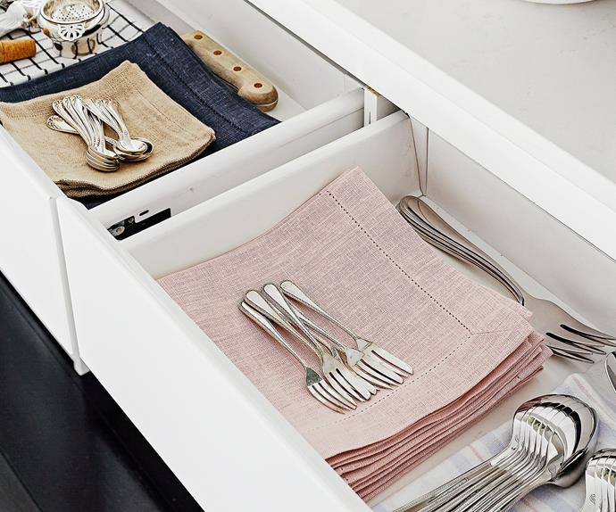 Fine cutlery sets
