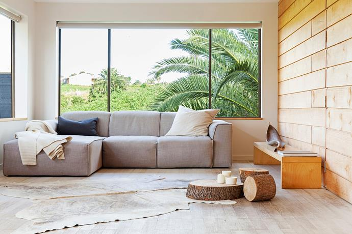 """Given the couple's love for nature, it's not surprising neutral colours prevail. """"We both love natural palettes for calm and ease of being, which is why paint colour [Dulux](http://www.dulux.com.au/