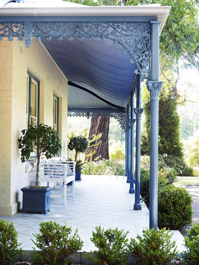 There's nothing more country than a wraparound verandah. Photo: Julie Crespel / bauersyndication.com.au