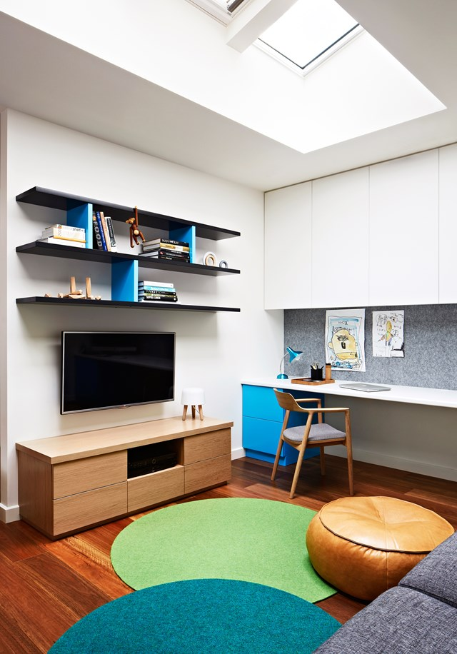 "**SITTING PRETTY** <br><br>If you are serious about creating a homework haven, make sure you include comfortable seating from both [desk chairs](https://www.homestolove.com.au/how-to-choose-the-right-desk-chair-15430|target=""_blank"") to lounges. A child is not going to study for hours on end while sitting down on a tiny stool. <br><br>"