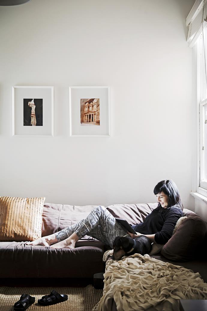 "Framed photographs from the couple's travels grace the walls above the [Freedom](http://www.freedom.com.au/|target=""_blank"") sofa. Dachshund Ryder feels right at home with Carmel in the cosy lounge room."