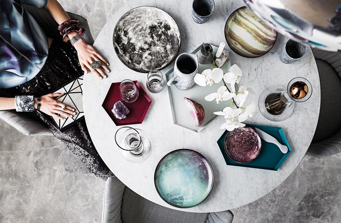 The finer details are where you can play with colour. In accessories, take your inspiration from the universe and use deep pink and blue galaxy tones and starry patterns. As for shape, tableware in both circular and geometric shapes will echo the planetary vibe.