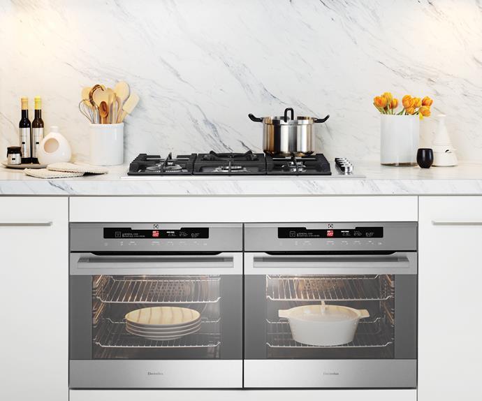 Sleek freestanding oven