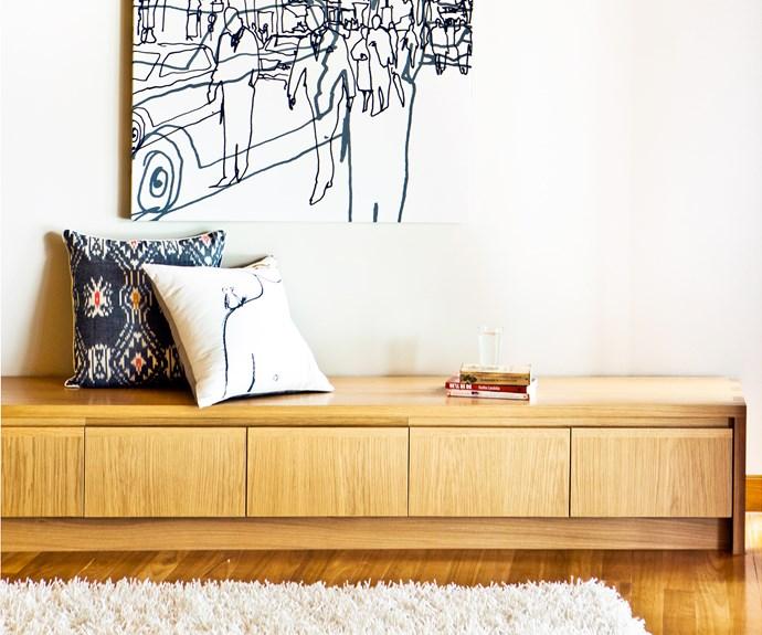 Contemporary multipurpose living area