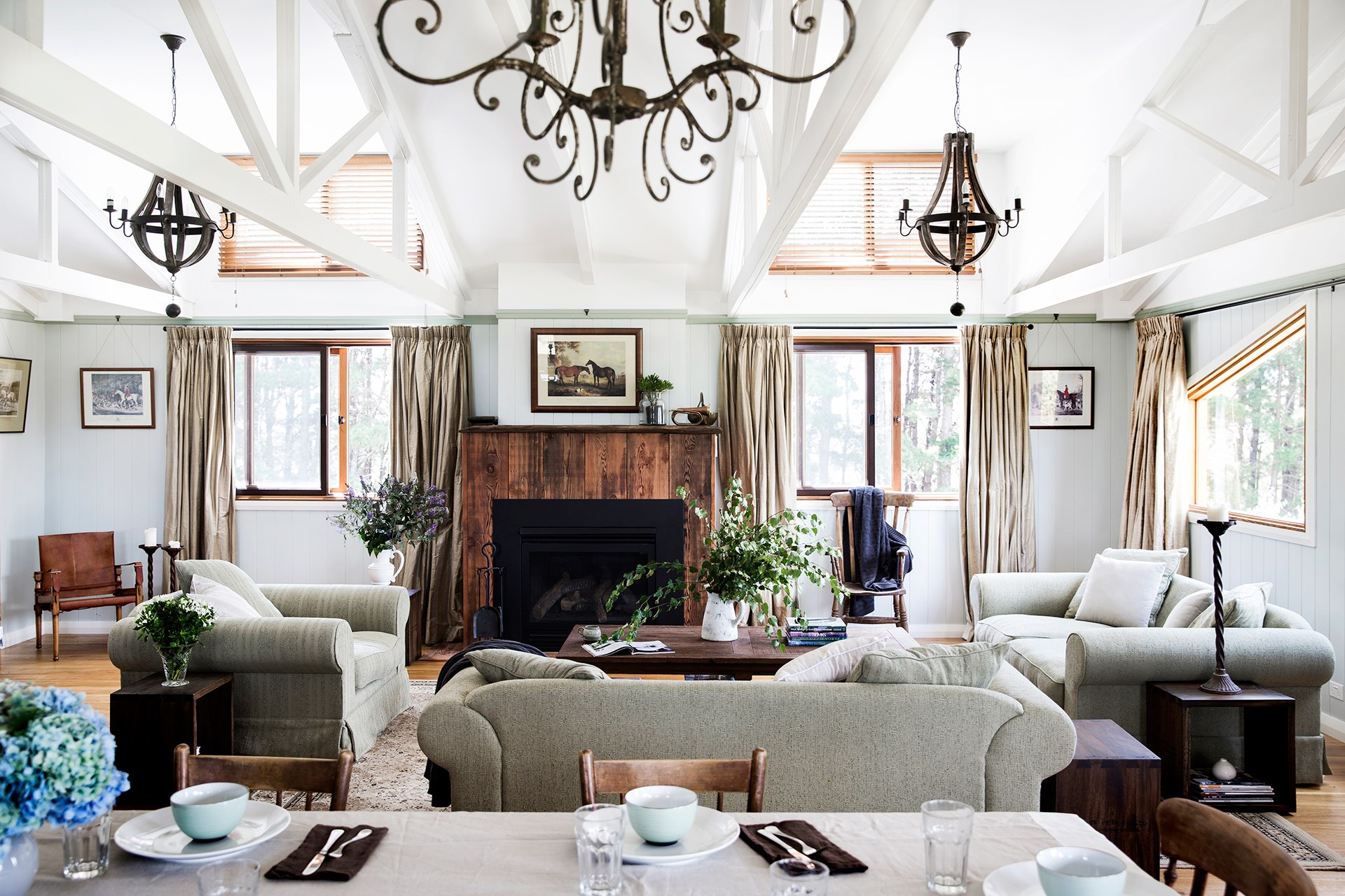 """A chef and furniture restorer have carved a beautiful home out of a rustic barn in NSW's Southern Highlands. Take a tour of this [big-hearted barn conversion](http://www.homestolove.com.au/gallery-brigid-and-kevins-southern-highlands-barn-conversion-2076
