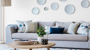 Textured modern beach house in Sydney