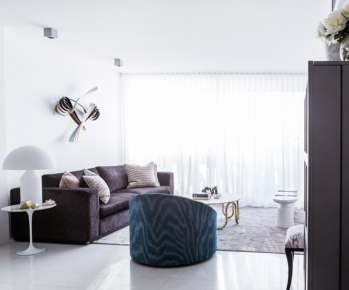 Modern luxe open plan living room