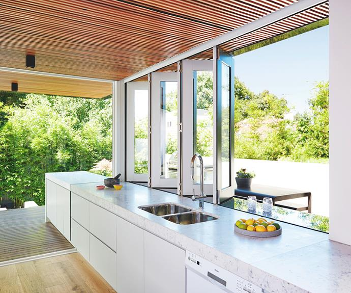 "[Stegbar's](https://www.stegbar.com.au/|target=""_blank"") Siteline bifold windows are made of timber with an aluminium exterior."
