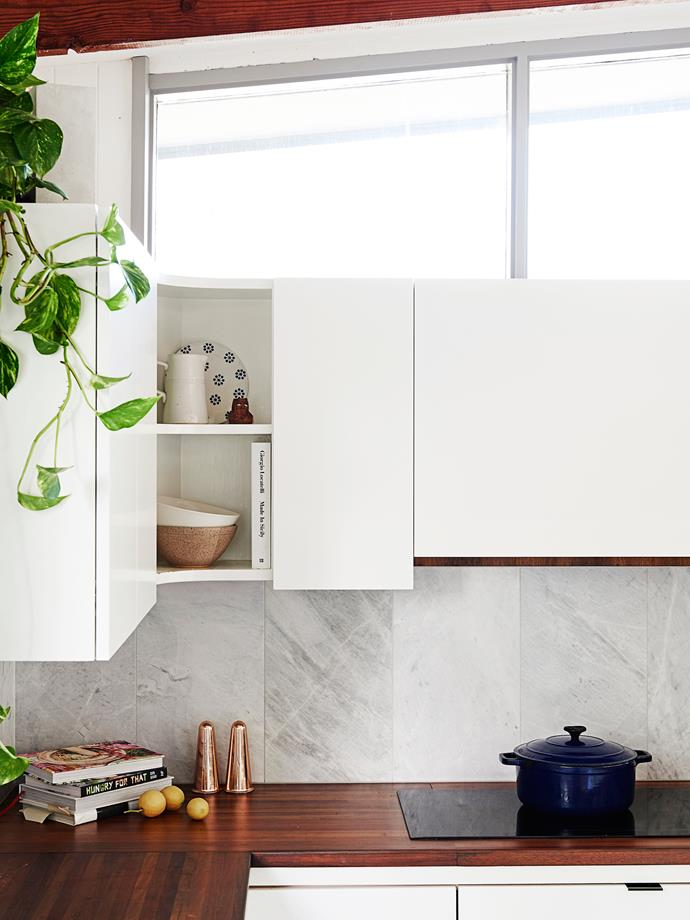 "Elba marble splashback tiles from [Artedomus](http://www.artedomus.com/?utm_campaign=supplier/|target=""_blank"") add a luxe touch, while the Devil's Ivy brings a splash of greenery."