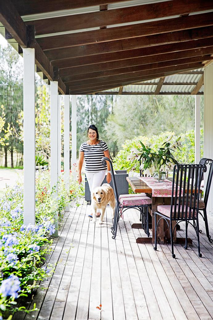 Lorraine loves to entertain and host family and friends outside on the deck, and she purposefully built wide verandahs during the renovation to suit this purpose.