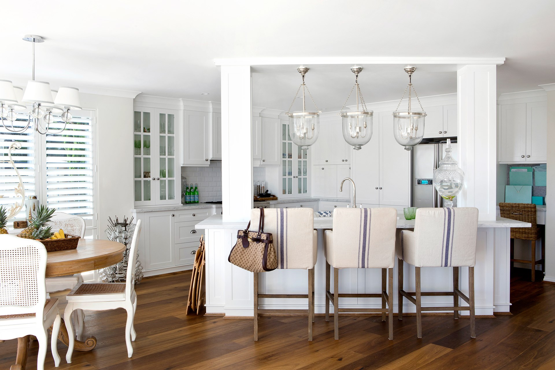 """There's casual beach style, and then there's the more sophisticated Hamptons coastal style. This Perth home is so close to the beach, its owners can almost kayak from the front yard. Homeowner [Natalee Bowen](http://www.indahisland.com/?utm_campaign=supplier/
