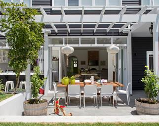 Outdoor contemporary dining space