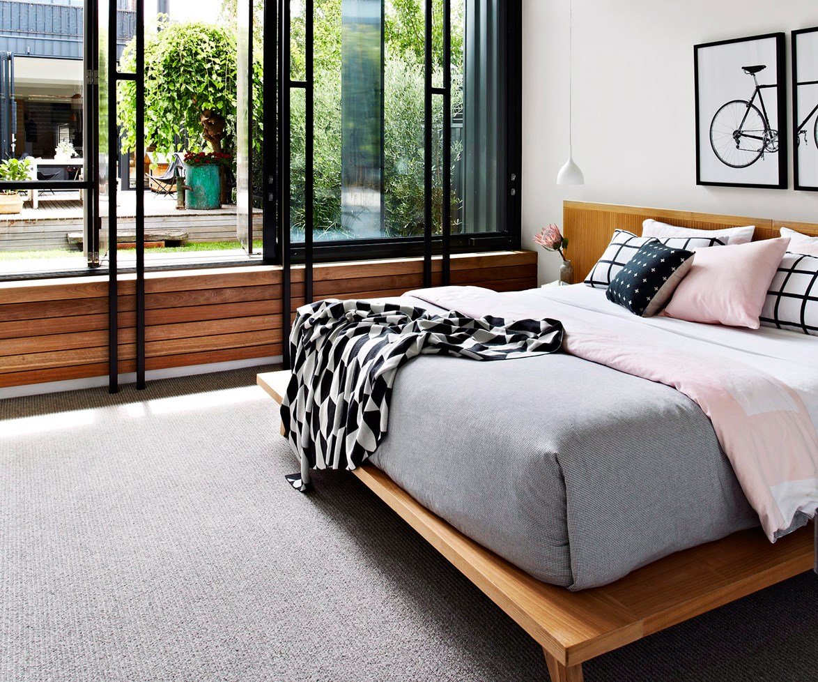 """Choosing new carpet can leave you feeling floored. [Get our 9 tips to help you know what to consider](http://www.homestolove.com.au/9-tips-for-choosing-carpet-1665