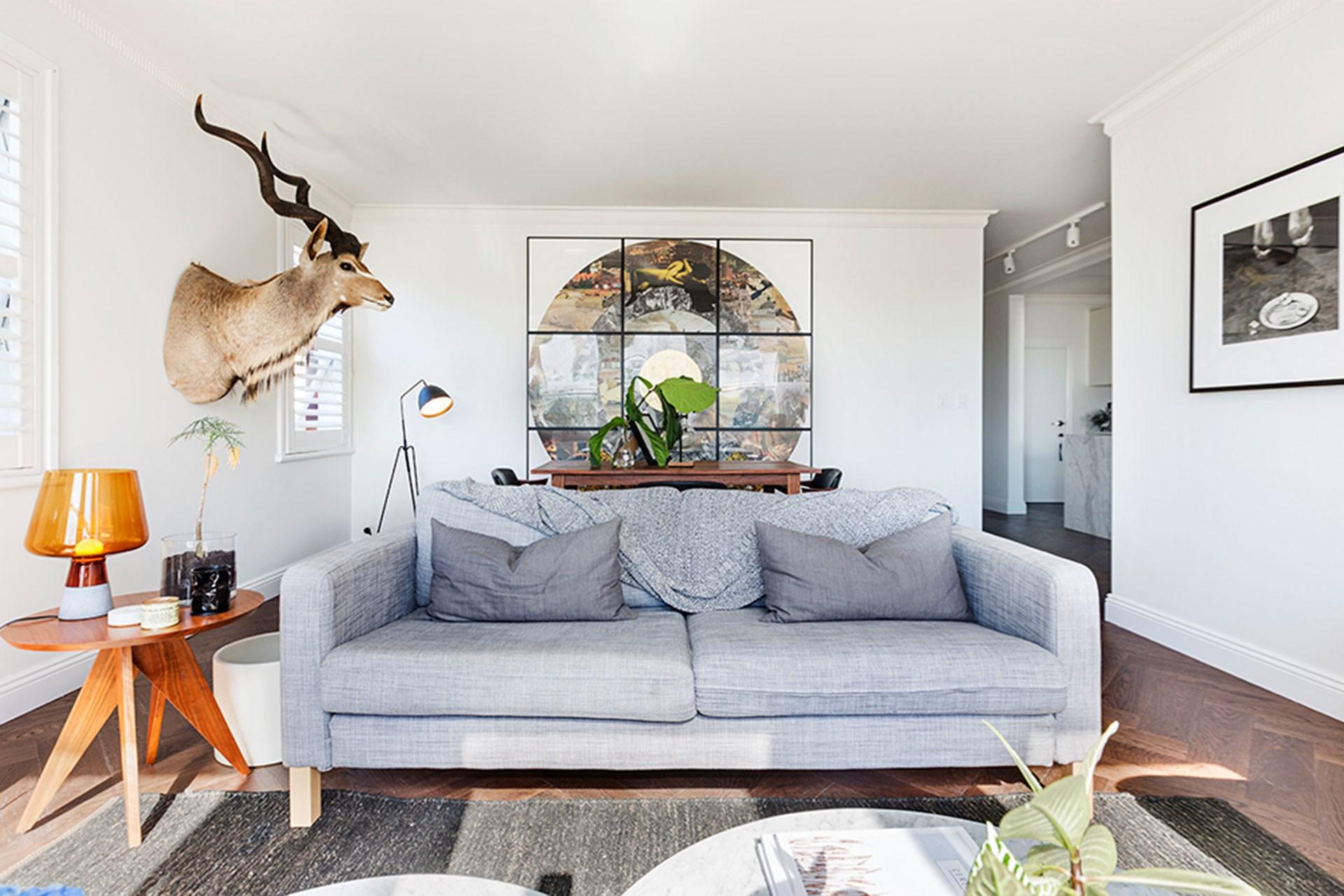 [Art Deco apartment renovation in Sydney's east](http://www.homestolove.com.au/chloes-bellevue-hill-apartment-renovation-2417).