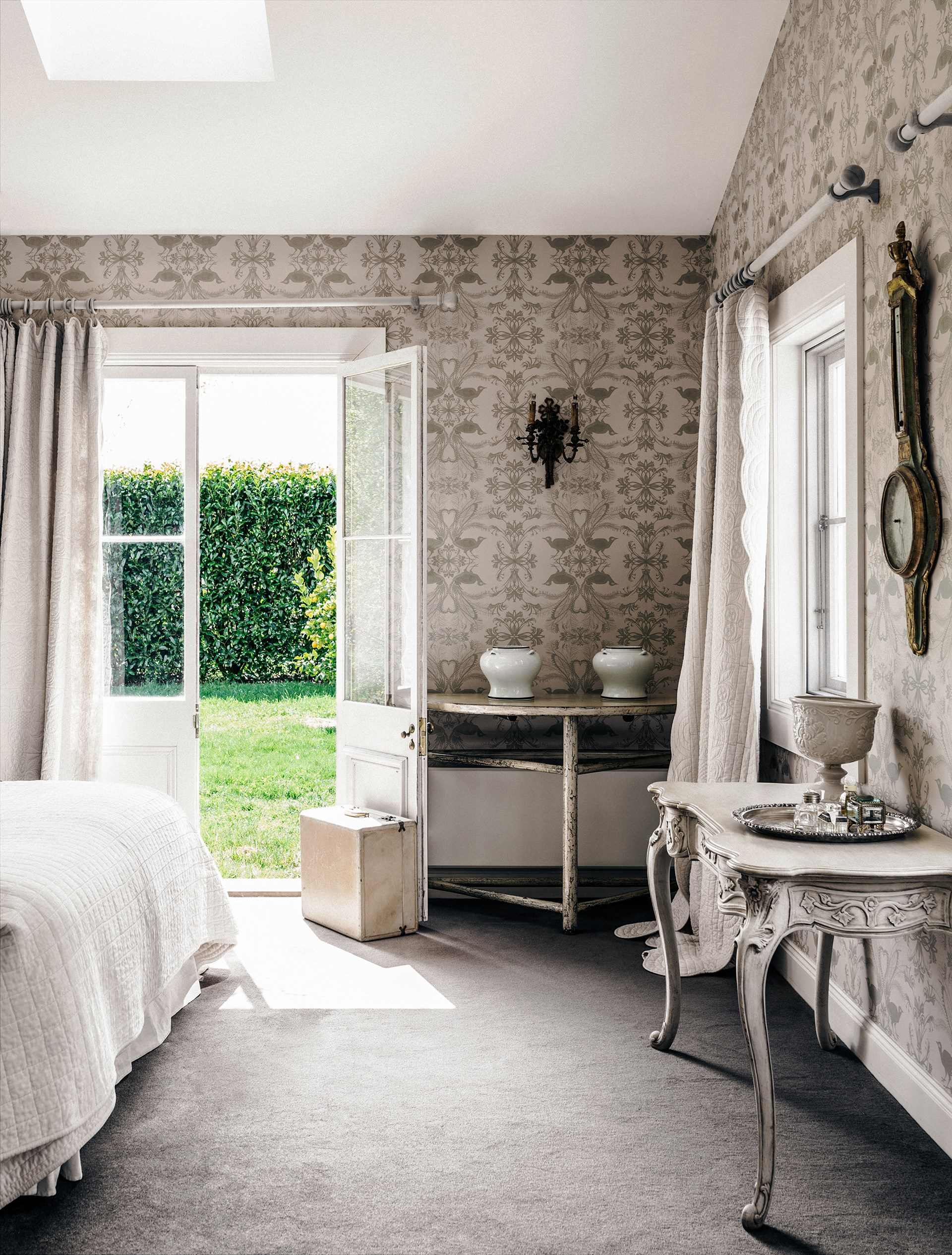 The subdued neutral hues of this chic French wallpaper add a classic feel to this [country home in the Southern Highlands](http://www.homestolove.com.au/melissa-penfolds-french-inspired-country-house-2537). *Photo: Felix Forest / Belle*