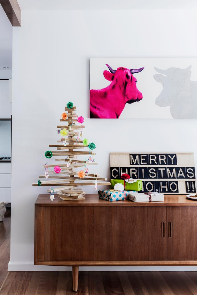 "Airy and open, this [modernist Brisbane gem](http://www.homestolove.com.au/kylie-and-anthonys-modernist-makeover-2547|target=""_blank"") has been given a tailor-made makeover, delivering year-round comfort and Christmas cheer."