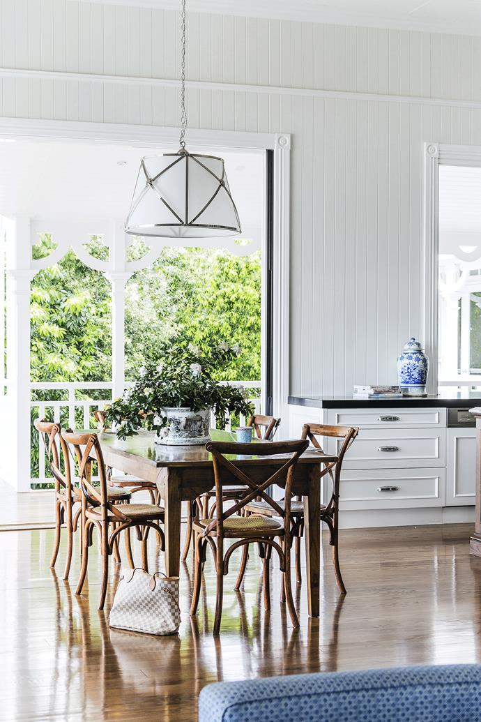"""I love adding greenery in a neutral scheme. It really brings the home to life,"" says interior designer Leigh Boswell of [Highgate House](http://www.highgatehouse.com.au/?utm_campaign=supplier/