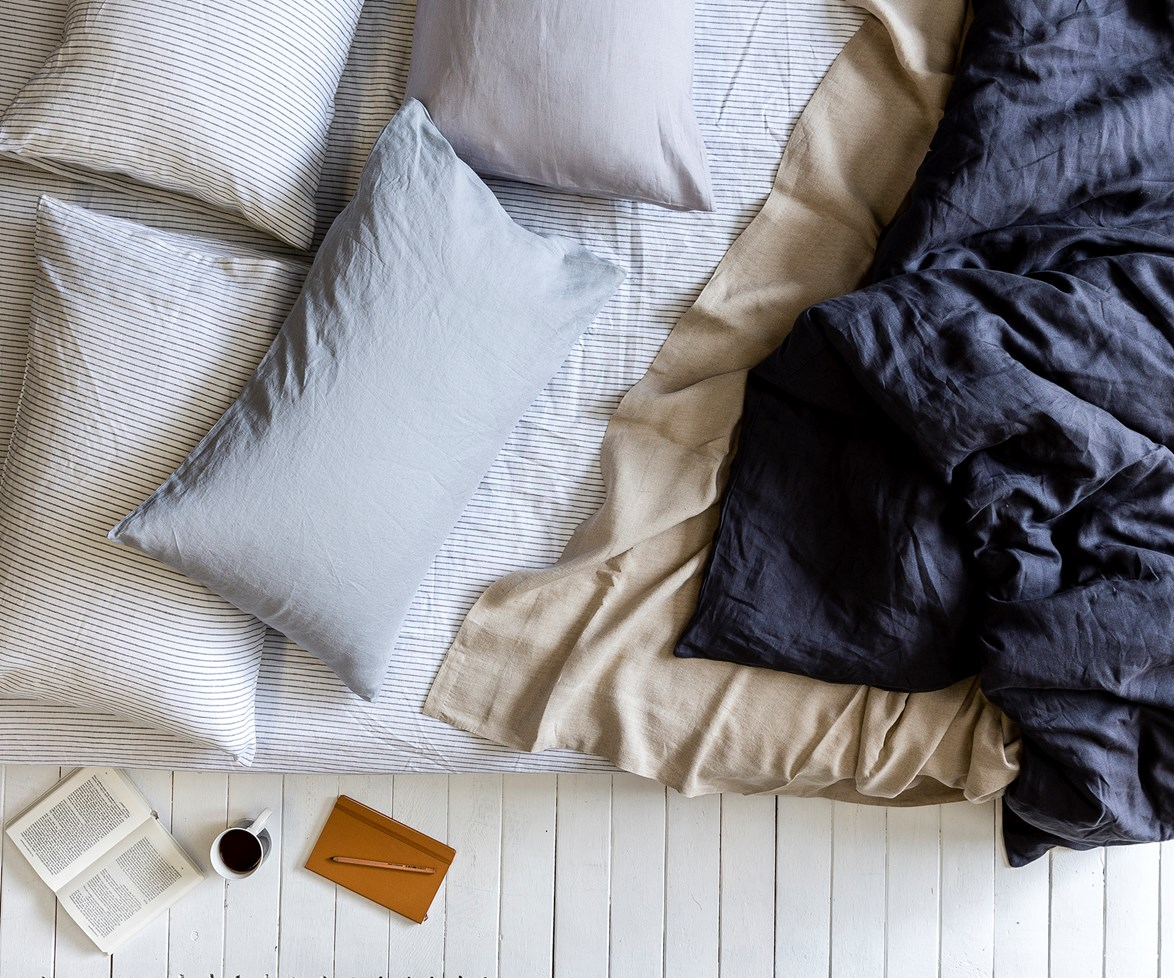 """[Find the perfect sheets with our buyers guide to linen >](http://www.homestolove.com.au/buyers-guide-to-bed-linen-2562