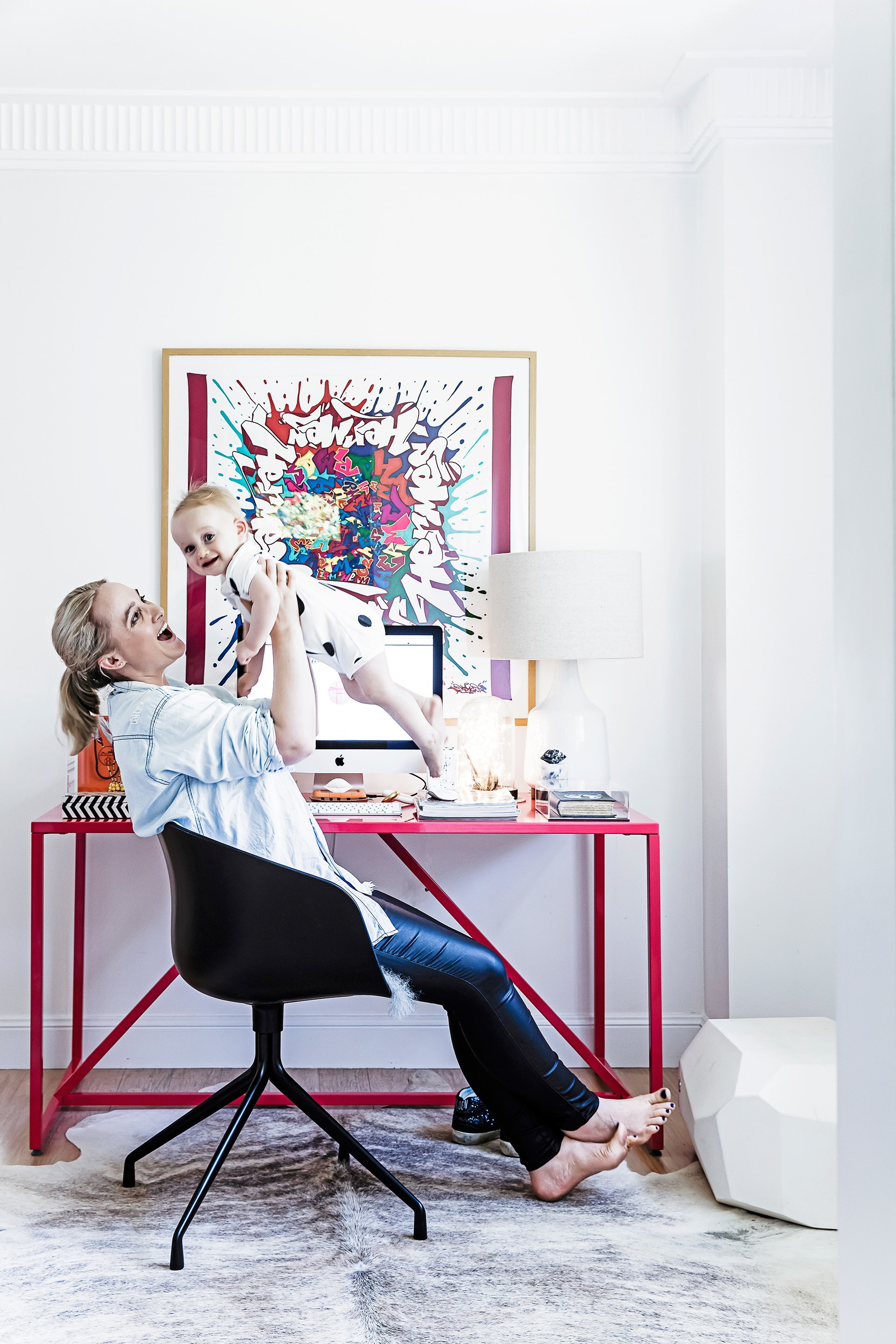 "Interior decorator Claudia Stephenson loves the colourful punch the [Blu Dot](https://www.bludot.com.au/?utm_campaign=supplier/|target=""_blank"") ""Strut"" desk adds to her [modern-eclectic apartment](http://www.homestolove.com.au/claudias-modern-eclectic-rental-apartment-2648