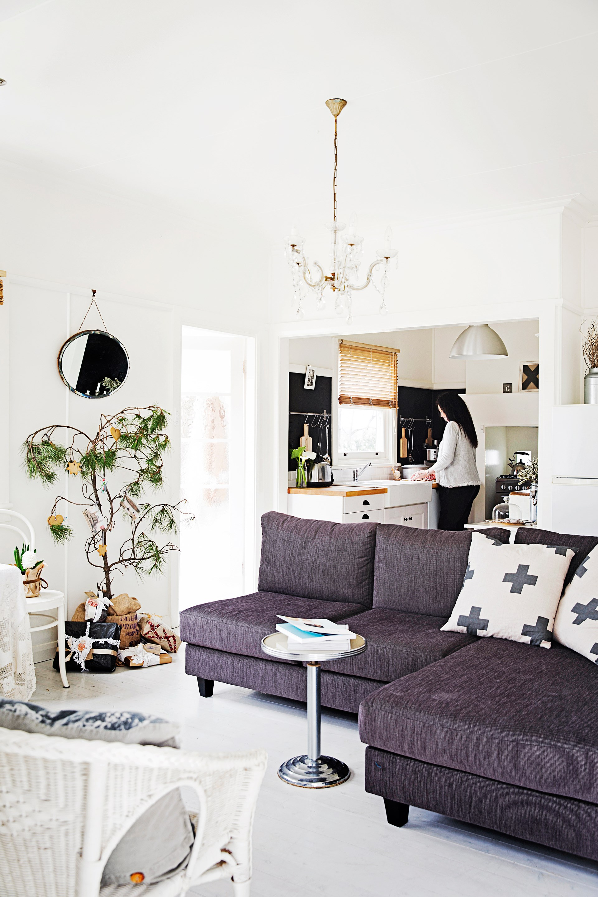 """Escape to [Beth and Warren's relaxed beach house](http://www.homestolove.com.au/gallery-beth-and-warrens-idyllic-beach-house-renovation-2529
