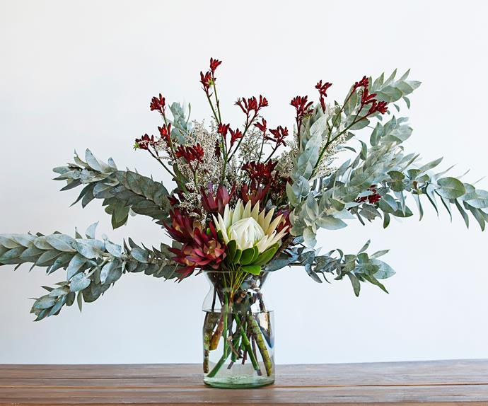 Christmas floral centrepiece