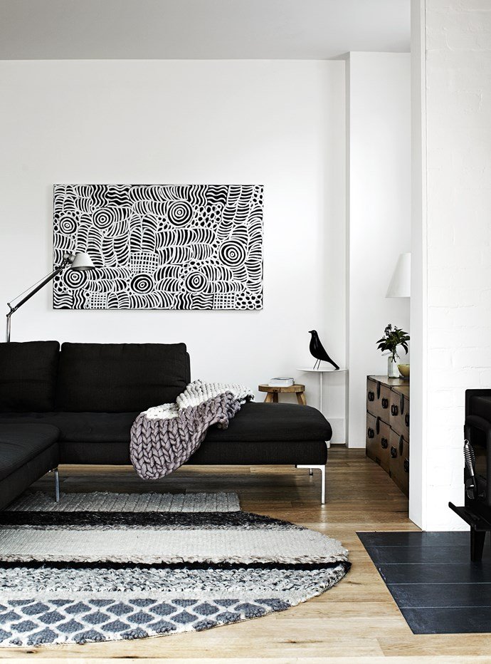 """Carole paired the simple modernist lines of the sofa with a heavily textured wool rug by Patricia Urquiola for [Gan Rugs](http://www.gan-rugs.com/?utm_campaign=supplier/