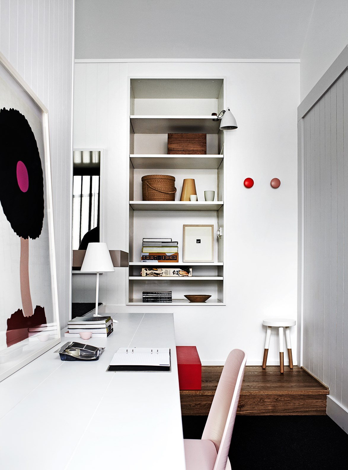 """With a monochrome base and distinct Scandinavian aesthetic, the gorgeous Melbourne [home of Whiting Architects' Steven and Carole Whiting](https://www.homestolove.com.au/architects-at-home-steven-and-carole-whiting-2560
