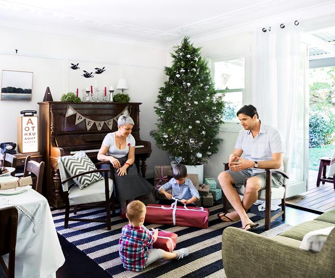 Country-styled Sydney family living room