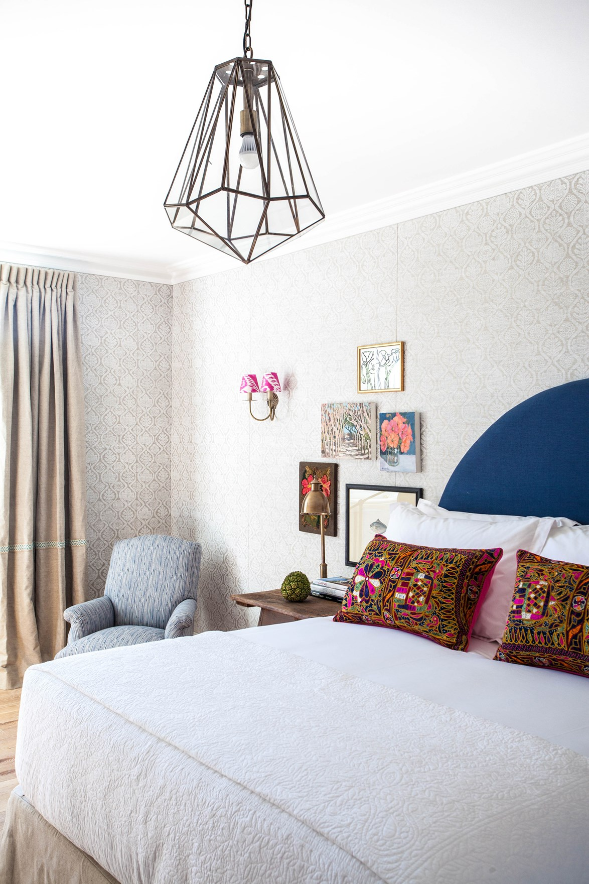 """This suite at [Halcyon House](https://www.homestolove.com.au/halcyon-house-2785