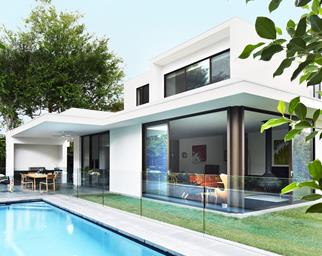 Melbourne contemporary new build pool